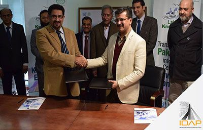 IDAP signed a contract with Lahore Knowledge Park Company (LKPC)